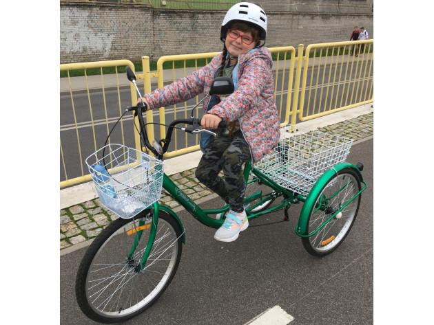Zuzia na rowerze